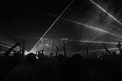 Robin Piso Tickets