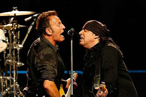 Place Bruce Springsteen and the E Street Band