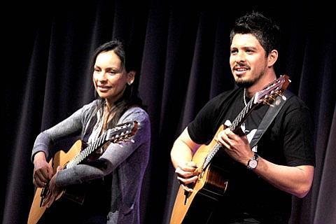 Rodrigo y Gabriela Tickets